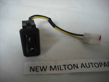 A GENUINE CHRYSLER VOYAGER MK1 FOLDING ELECTRIC  DOOR MIRROR SWITCH   1997-2000