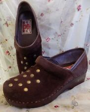 LNW~Lucky Brand Brown Studded Suede Clogs~Size 8M/38