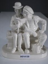 +*A014130 Goebel  Archivmuster N.Rockwell Figurines Rock207 Two Men Reading TMK3