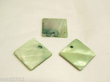 10 x Natural Dyed Shell Pendants: BNSP140 Green Square