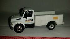 1/64 CUSTOM INTERNATIONAL PROSTAR CASE CONSTRUCTION SERVICE TRUCK ERTL FARM TOY