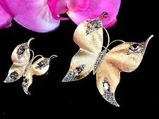 PAIR OF 1950'S CROWN TRIFARI GOLD-TONE BLACK DIAMOND RHINESTONE BUTTERFLY BROOCH