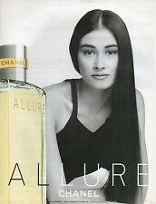 Publicité Advertising 2001  Parfum  ALLURE de CHANEL  pour femme