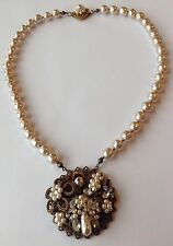 VINTAGE MIRIAM HASKELL SIGNED CLEAR RHINESTONE & PEARL PENDANT NECKLACE