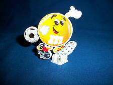 M&M's SOCCER FOOTBALL RUNNER Put Together Sticker M&M Figure POCKET SURPRISE