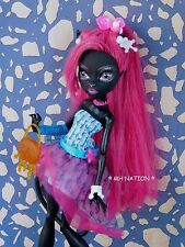 Monster High Lagoona Blue's DOT DEAD GORGEOUS Outfit and Accessories