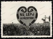 Schild-Herz-Rasen betreten verboten-Ungarn-1930er Jahre-