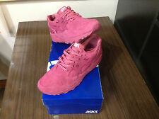 WOMEN'S ASICS -  L. GEL-KAYANO TRAINER (H669L-3232) - SIZE 9.5 - 40% OFF
