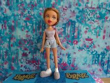 BRATZ FACTZ SLUMBER PARTY YASMIN 2003 JAMMIES