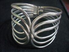 """Vintage Silvertone Metal Wire Filagree 8"""" Hinged Clamper Bracelet"""