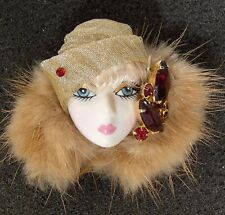 LADY HEAD FACE Porcelain-Look brooch pin Figural Vintage red Rhinestones Mink RS