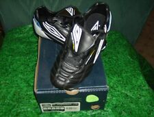 Umbro Soccer ES Diamondback J HG  Youth Size 3.0