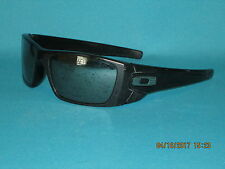 OAKLEY FUEL CELL SI OO9096-29 Matte Black/Gray Men's Sunglasses 60mm