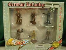 The Ultimate Soldier 21st Century Toys WWII German Infantry Figures 1:32 NOS