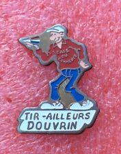 Pins Sport Club Joueur FLECHETTE TIR AILLEURS DOUVRIN