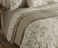 AUTUMN STONE QUILTED BED RUNNER LEAF DETAIL LUXURY TAUPE POLYESTER 50cm x 220cm