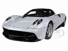 PAGANI HUAYRA WHITE 1/18 DIECAST MODEL CAR BY AUTOART 78267