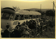 PHOTO ANCIENNE - VINTAGE SNAPSHOT - AUTOCAR BUS EXCURSION ÉTUDIANT ATTENTE