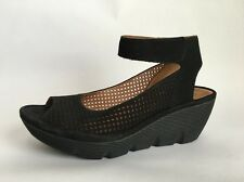 Clarks  Artisan Womens Wedge Sandals Leather Nubuck Black Sandals SZ 8.5 W