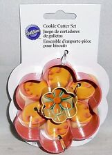 Wilton  Cookie Cutters   Set of 2  FLOWER'S