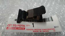 TOYOTA CAMRY FUEL DOOR GAS POP OUT PLACE CLIP 77360-33020 998 99