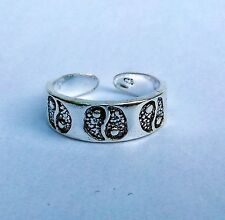 Sterling Silver (925) Adjustable Ying Yang Toe Ring !!       Brand New !!