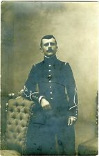 CARTE-PHOTO / un soldat pose / EPINAL / circa 1909 / monocle
