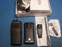 Motorola HT750 UHF 450-512MHz AAH25SDC9AA3AN 16 Channel  New  Tested