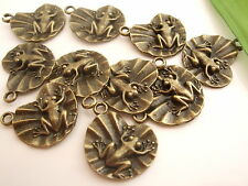 10 x Antique Bronze Tone Frog on Lily Pad Pendant Findings Charms 21mm x 15mm