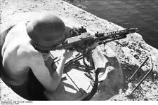 German Army Soldier Machine Gun Italy 1944 World War 2 Reprint Photo 6x4 Inch