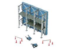 Tomytec 228677 - Baustellen Zubehör: Fassadengerüst, Schubkarren und Absperrunge