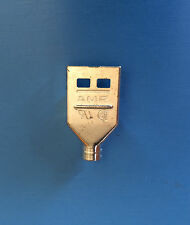 520464-1 AMP CONNECTOR PLUG 8 POSITION ROUND CABLE 8 SDL RND SHIELD TOP