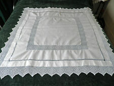 """STUNNING VINTAGE LINEN LACE EDGED TABLE CLOTH  - 44"""" BY 44"""""""