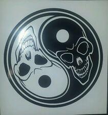 Ying yang crâne-noir-voiture, van, fenêtre, ordinateur portable, vinyle graphique/autocollant/autocollant