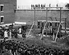 EXECUTION OF PRESIDENT LINCOLN'S ASSASSINS 8X10 PHOTO