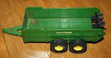 "Ertl Manure Spreader - Plastic - 8"" box,10"" long - John Deere green"