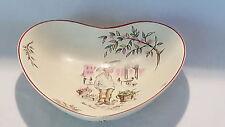 Crown Ducal vintage Art Deco antique Petit Pierre heart shallow bowl dish