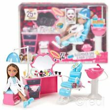 New Bratz Sleepover Spa & Hair Studio Playset & Yazmin Doll Figure Official