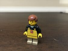 AUTHENTIC Lego Store Employee Minifigure w/ Yellow Apron!