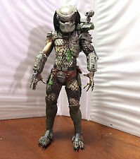 DAMAGED PREDATOR • C9 • 100% COMPLETE • NECA PREDATOR JUNGLE HUNTER
