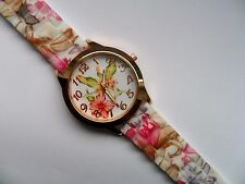 Lovely Gold Faced Flower Patterned Quartz Watch Patterned Silicon Strap