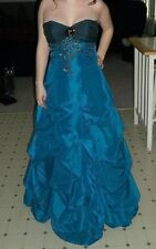DEBS, Juniors Size 3/4, Blue embroidered sleeveless prom dress