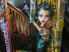 Monster High Doll Nefera de Nile City Schemes Boo York Musical Sister To Cleo M