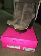 Betsey Johnson Maybill Grey Leather Ankle Zipper Boots Neon Green Sole Size 8