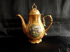 cafetière en porcelaine,motif marquis marquise,romantique