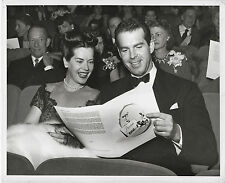 Fred MacMurray and his wife attend preview of The Egg and I ~ ORIG 1947 pic