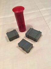 Garden Railway G Gauge 1:24th Scale LGB Royal Mail Pillar Box And Suitcases New