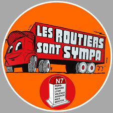 LES ROUTIERS SONT SYMPAS CAMION TRUCK 10cm AUTOCOLLANT STICKER (RA110)