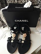 NEW IN BOX 2016 CHANEL BLACK WHITE CAMELLIA FLOWER THONG SANDALS FLAT SHOES 38.5