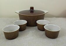 VILLEROY & BOCH BROWN RIBBED COVERED CASSEROLE & 4 RAMEKINS OVEN BAKE LUXEMBURG